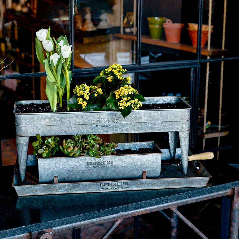 M19GP1 Rustic Planter with Legs